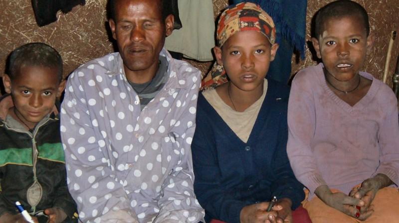 2012 Ayalew Familie Vater Ayelew Tochter Sebider Soehne Endalew Befekadu