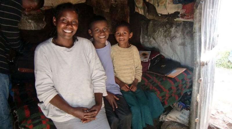 2012 Mutter Emebet Ababu, Sohn Getachew, Tochter Tigist