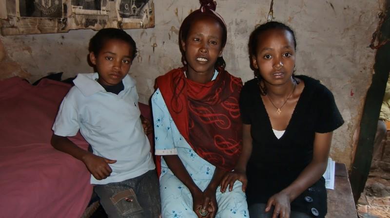 2012 Legesse-Familie Damtew Mutter Belaynesh Tochter Wudi2012 Legesse-Familie Damtew Mutter Belaynesh Tochter Wudi