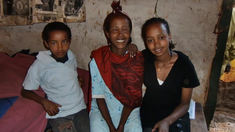 2012 Legesse-Familie Damtew Mutter Belaynesh Tochter Wudi