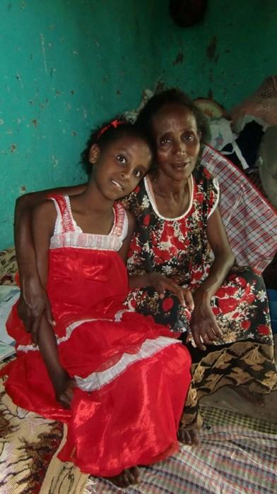 2012 Woldemichael-Familie Mutter Emebet Tochter Kalkidan