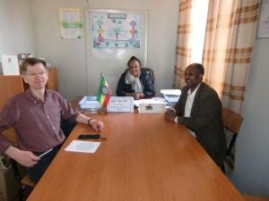 Besprechung mit der Direktorin und dem Elternvertreter der Fasil-Schule
