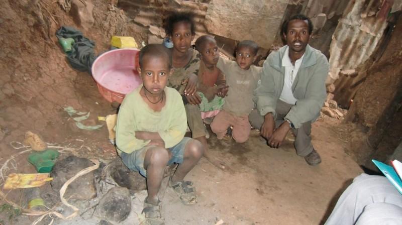 Eredow Familie 40 - Vater Beleta, Töchter Beziaho, Bethlehem, Macdes, Söhne Wendante, Nadnel nicht auf dem Photo