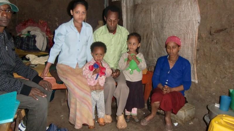 2013 Emebet, Samrawit, Vater, Hanna, Mutter, links Duke