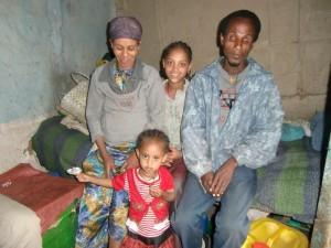 Famlie Negussu mit den Kindern Emebet und Hanna