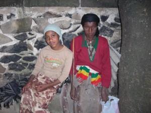 Frau Enguday mit Tochter Birhane