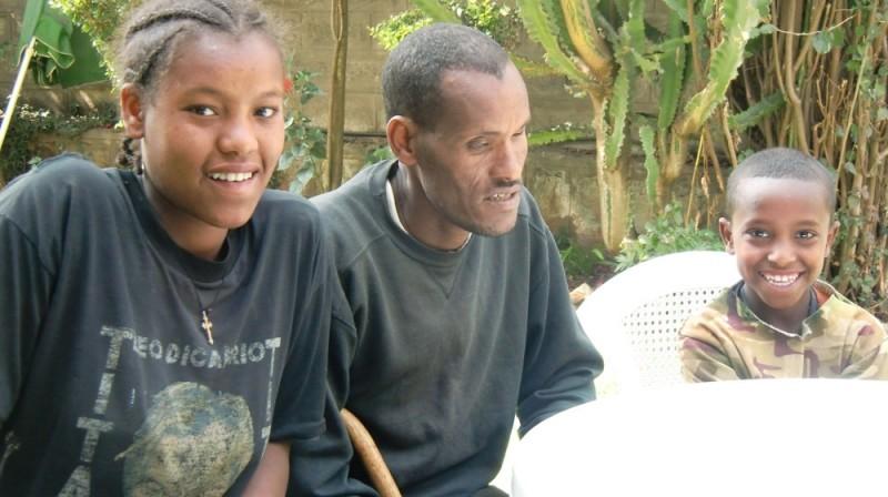2013 Lemma Familie, Vater Abera mit Tochter Tiringo und Sohn Esubalow