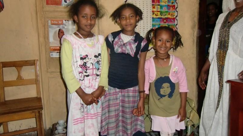 2013 Mariamawit Amenu (#6) mit Familie Mengiste(#5): Haregwyen, Kalkidan und Belanesh