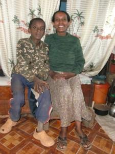 Mutter Asres Manaye mit Sohn Yoseph.