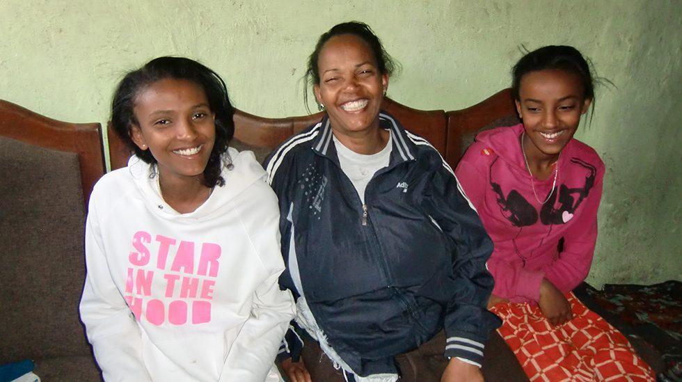 Dez. 2017 - Tochter Lilena, Mutter Melesu und Tochter Maklit